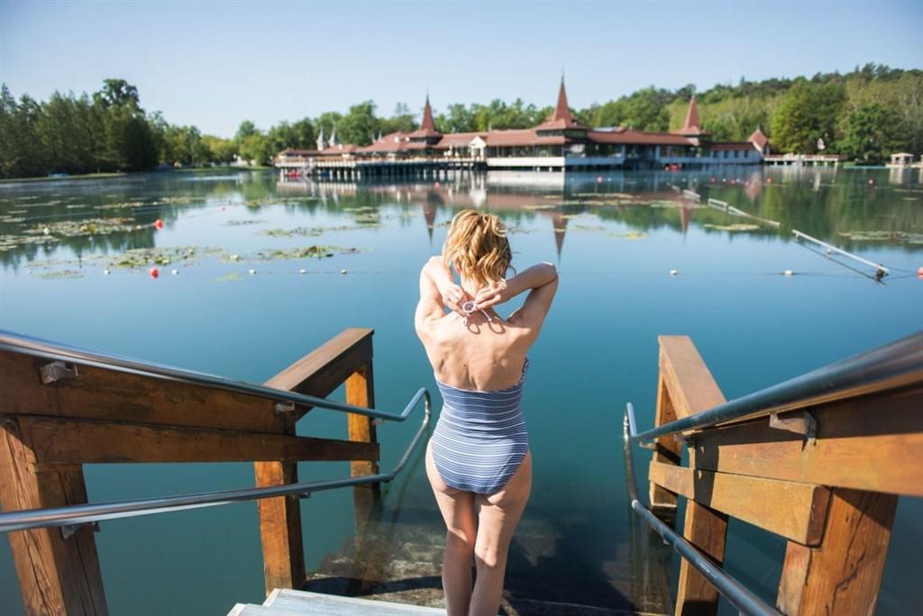Maďarsko Hévíz lázně vstup do vody 2